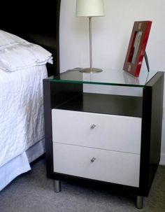 Glass,white and black. Furniture Upholstery, Diy Furniture, Furniture Design, Wardrobe Design Bedroom, Bedroom Bed Design, Bedroom Table, Modern Bedroom Furniture, Coffee Table Design, Headboards For Beds