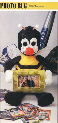Bumble Bee Picture Frame Plastic Canvas by needlecraftsupershop, $3.50