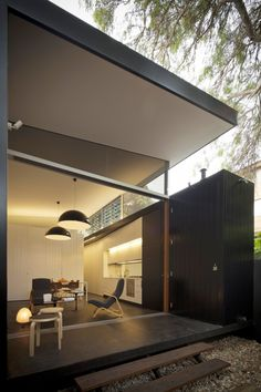 Haines House / Christopher Polly Architect