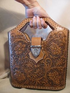 hand tooled leather handbag by triccycatsjewels Adique-Alarcon Adique-Alarcon Adique-Alarcon Phillips Regan Handbags Leather Carving, Leather Art, Leather Tooling, Leather Purses, Leather Handbags, Tooled Leather Purse, Soft Leather, Western Purses, Leather Projects