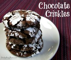 Only 5 ingredients in these delicious Chocolate Crinkles cookies recipe! Perfect for Christmas. Soft Sugar Cookie Recipe, Soft Sugar Cookies, Yummy Cookies, Yummy Treats, Holiday Baking, Christmas Baking, Christmas Parties, Christmas Sock, Christmas Foods