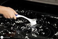 Thanks to this recipe, your glass ceramic cooktop will be cleaner than a new one - Kitchen - Tips and Crafts
