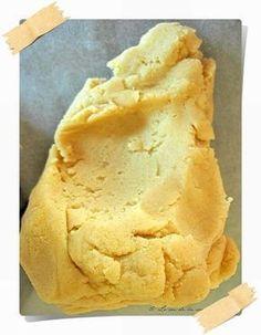 Pâte sablée amande sans gluten : 200 g de farine de riz / 50 g de farine de maïs / 140 g de beurre ramolli / 30 g de sucre blond de canne / 60 g de sucre glace / 30 g de poudre d'amande / 1 oeuf / 1 pincée de sel | Recettes de cuisine bio : Le cri de la courgette...