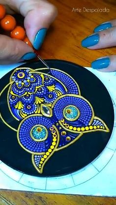 Dot Painting Tools, Dot Art Painting, Mandala Painting, Pebble Painting, Stone Painting, Mandala Art Therapy, Mandala Art Lesson, Mandala Canvas, Mandala Dots