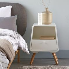 Looking for a modern nightstand? Or perhaps you'd like a unique nightstand that reflects your personal style. Here's how to find the perfect one.