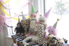 A Stuffed Animal 1st Birthday Party (via @Jen Lula-Richardson)