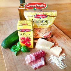 Wij maken een heerlijk Italiaans pastagerecht! Wat maak jij van Macaroni, courgette en pancetta? Wij zijn benieuwd! #pastacreatie