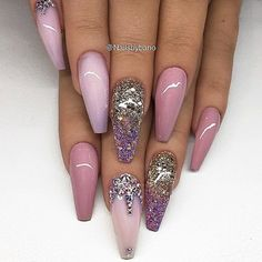 Imagine this set in your hands @nailsbybano