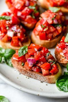 Bruschetta with Tomato and Basil Appetizer Recipes, Snack Recipes, Dinner Recipes, Cooking Recipes, Healthy Recipes, Vegan Appetizers, Vegetarian Recipes, Party Appetizers, Skinny Recipes