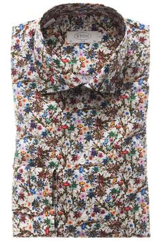 Make a bold sartorial statement with this floral print contemporary fit mens Eton shirt. Multicoloured flowers printed on a fine cotton poplin fabric. Mens Floral Dress Shirts, Floral Print Shirt, Outfits Otoño, Cool Outfits, Fashion Outfits, Big Men Fashion, Bold Fashion, Formal Shirts, Casual Shirts