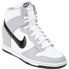 Nike Dunk Ski Hi Sneakers ($59) ❤ liked on Polyvore featuring shoes, sneakers, nike, zapatos, lace up sneakers, lacing sneakers, flat shoes, nike trainers and nike shoes