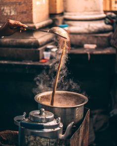 Tag your Chai Partners Steaming Chai♥♨. Coffee Photography, Indian Photography, Street Photography, Food Photography, Photography Business, Tea Wallpaper, Nature Wallpaper, Chai Quotes, Comida India