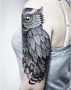 Black and white owl tattoo, not for me, but this is CLEAN!