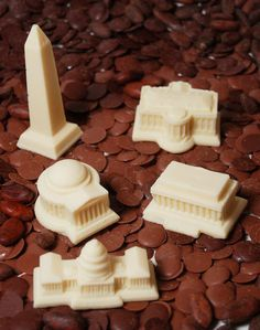 Georgetown Truffles makes miniature chocolate replicas of DC monuments.  Perfect favors for a DC wedding.