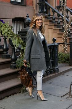 Carrie Bradshaw Estilo, Carrie Bradshaw Outfits, Rachel Bilson, Diane Kruger, City Outfits, Fashion Outfits, Street Looks, Street Style, Sarah Jessica Parker Hair
