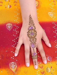 30 Very Simple Easy Best Mehndi Patterns For Hands Feet 2012 Henna Designs For Beginners 2 30 Very Simple, Easy & Best Mehndi Patterns For H...