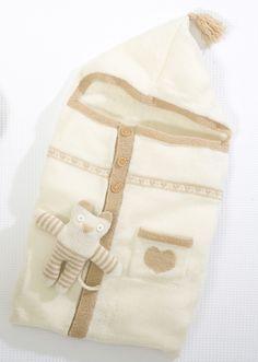 Modèle tricoté dans la laine CHEVAL BLANC. Qualité : POULINETTE