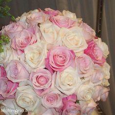 bellissimo bouquet di rose bianche e rosa di Alchimie Floreali - Bouquet e addobbi floreali Bologna (BO) - Matrimonio.it