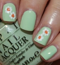 Spring Nail Art Daisies-1