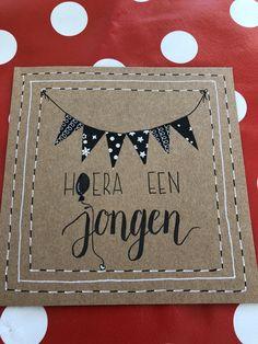 Hoera, geboorte, jongen, baby Chalkboard Typography, Doodle Drawings, Diy Cards, Curiosity, Homemade Cards, Baby Love, Cardmaking, Wraps, Doodles