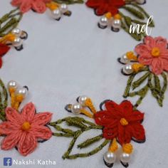 silk ribbon embroidery designs and techniques Basic Embroidery Stitches, Hand Embroidery Videos, Hand Embroidery Flowers, Crewel Embroidery Kits, Embroidery Stitches Tutorial, Flower Embroidery Designs, Creative Embroidery, Simple Embroidery, Learn Embroidery