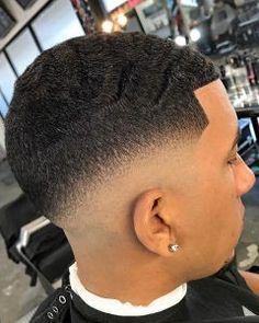 Taper Fade Haircuts For Black Men 2019 low haircut styles for black guys - Black Haircut Styles Taper Fade Haircut, Tapered Haircut, Low Haircuts, Haircuts For Men, Black Haircut Styles, Hair Trends 2015, Wavy Hair Men, Comb Over, Shaved Hair