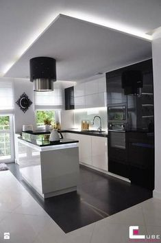 Browse photos of Small kitchen designs. Discover inspiration for your Small kitchen remodel or upgrade with ideas for organization, layout and decor. Luxury Kitchen Design, Kitchen Room Design, Luxury Kitchens, Home Decor Kitchen, Kitchen Living, Interior Design Kitchen, New Kitchen, Home Kitchens, Kitchen Ideas