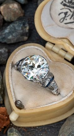 14k White Gold Shield Geometric Art Deco 1930s Ring Fine Jewelry Absolutely Gorgeous Old Accessory Stunning Vintage 3 Diamond Ring