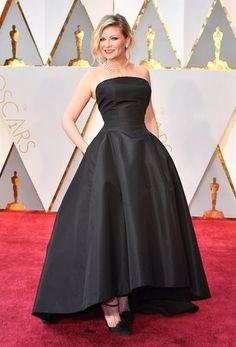 Actress Kirsten Dunst at the 2017 Oscars