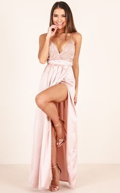 Swans Style is the top online fashion store for women. Shop sexy club dresses, jeans, shoes, bodysuits, skirts and more. Deb Dresses, V Neck Prom Dresses, Cute Dresses, Beautiful Dresses, Formal Dresses, Female Models, Women Models, Dream Dress, Hot