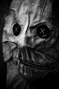 "banishedfromcamelot:    ""Button Face"" - Razorblade Grin Photography"