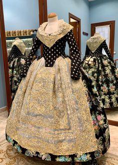 FMIV 2020-Cridà Spanish Woman, Belle Epoque, Traditional Dresses, Regional, Lady, Fashion, Vestidos, Black Outfits, Fails