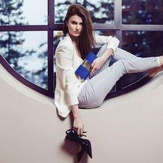 Votre PORTEFEUILLE ANDREA nubuck bleu indigo #deborahferrian #summer #indigoblue #portefeuille #andrea #leather