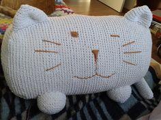 almofada de gato em crochê