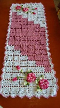 Crochet Table Runner Pattern, Crochet Bedspread Pattern, Crochet Placemats, Crochet Edging Patterns, Crochet Chart, Thread Crochet, Filet Crochet, Crochet Designs, Doily Patterns