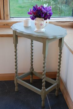 This one is a keeper.  Staying with Bleu-Clair.  A very handy table with twisted legs painted with 'Versailles' paint from Annie Sloan.