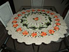 Toalha de crochê catavento com flores, inspirada na criação do Marcelo Nunes