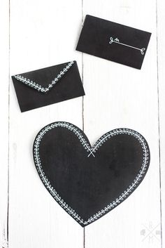 DIY Valentine chalkboard heart mail: black cardstock and white fine point gelpen. Valentines Day Treats, Valentine Heart, Diy Valentine, Chalkboard Lettering, Calligraphy Letters, Letter Writing, Diy Paper, Dog Tag Necklace, Card Stock