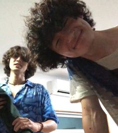 Cool Kidz, Boys With Curly Hair, Aesthetic Boy, Angel Eyes, Pretty People, Your Photos, Curly Hair Styles, Indie, Husband