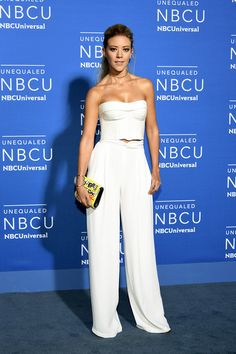 Fernanda Castillo Photos - Fernanda Castillo attends the 2017 NBCUniversal Upfront at Radio City Music Hall on May 2017 in New York City. Mexican Actress, Celebs, Celebrities, Office Outfits, Latina, Monica Robles, Cool Outfits, Beautiful Women, Jumpsuit