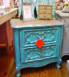 Antique painted furniture - turquoise nightstand #antique #paintedfurniture http://www.camillesantiqueboutique/antiques.html