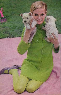 Twiggy #twiggy #green_dress #dogs #60s_fashion #vintage #model