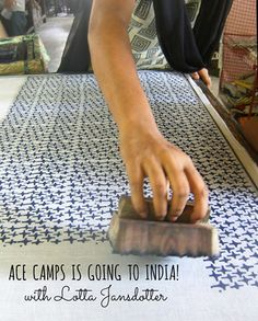 fabric stamping Ace Camps and Lotta Jansdotter, Jaipur India - I love to blockprint on old clothes Stamp Printing, Printing On Fabric, Screen Printing, Textile Prints, Textile Design, Fabric Design, Textures Patterns, Print Patterns, Impression Textile
