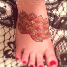 My new lotus flower tattoo!