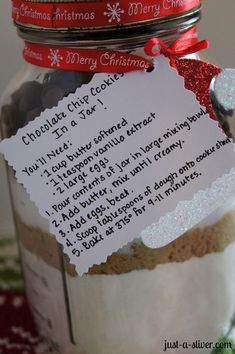 Homemade Holiday Gift: Chocolate Chip Cookies in a Jar