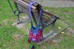 WAYUU BAG – Medium-Sized Mochila. Handwoven by a woman from the Wayuu Tribe. OUT OF STOCK. www.colombiart.co