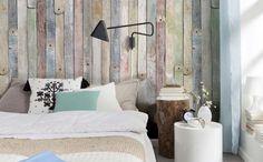 Madeira de demolição pode virar um painel para cama (Foto: Reprodução/Sofá de Ideias)