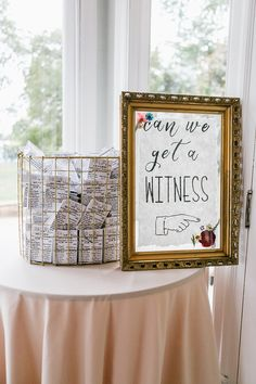 wedding ideas - photo by Emily Wren Photography http://ruffledblog.com/youll-fall-for-this-romantic-estate-wedding