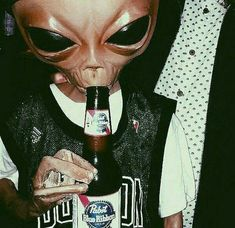 Cursed Images Discover sxdaddyz P i n t e r e s t: YoursTrulyKitKat Aliens Meme, Les Aliens, Alien Photos, Alien Aesthetic, Pink Aesthetic, Alien Art, Hippie Art, Reaction Pictures, Aesthetic Pictures