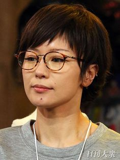 Short Hair Cuts, Short Hair Styles, Shiina Ringo, Hairline, Girls Wear, New Hair, Hair Beauty, Beautiful Women, Hairstyle